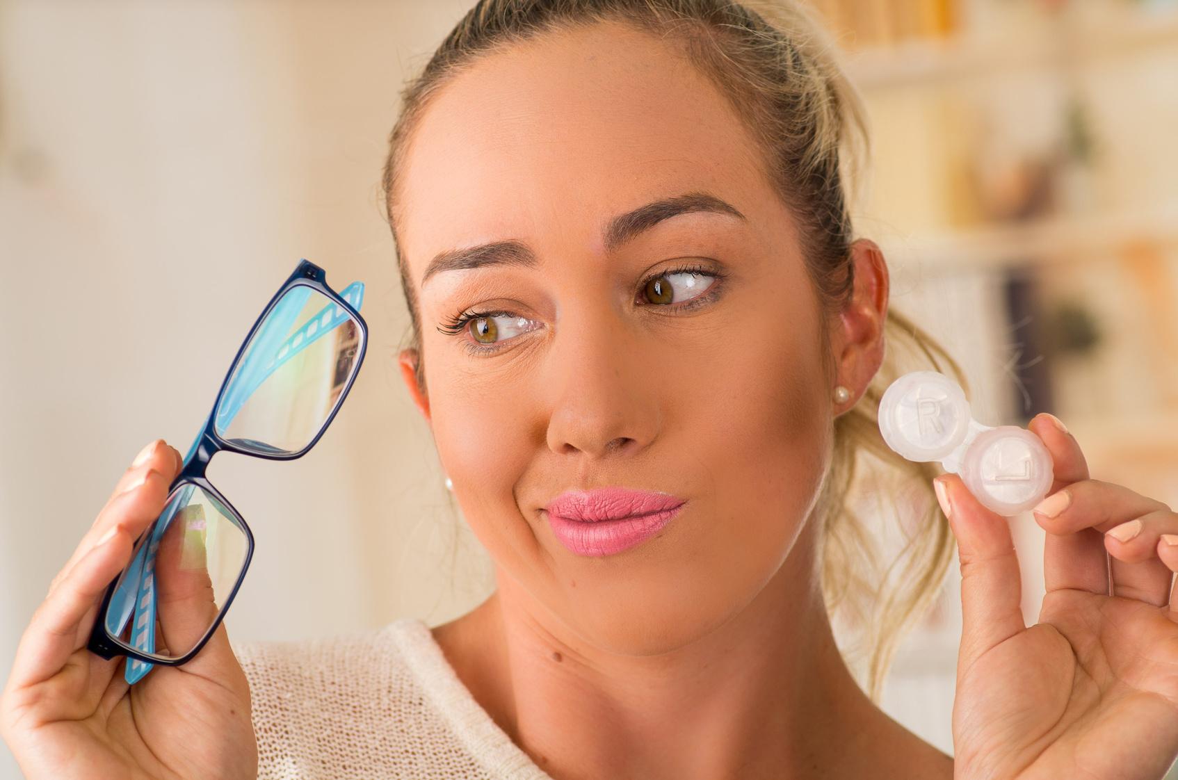 Wybrać soczewki czy okulary
